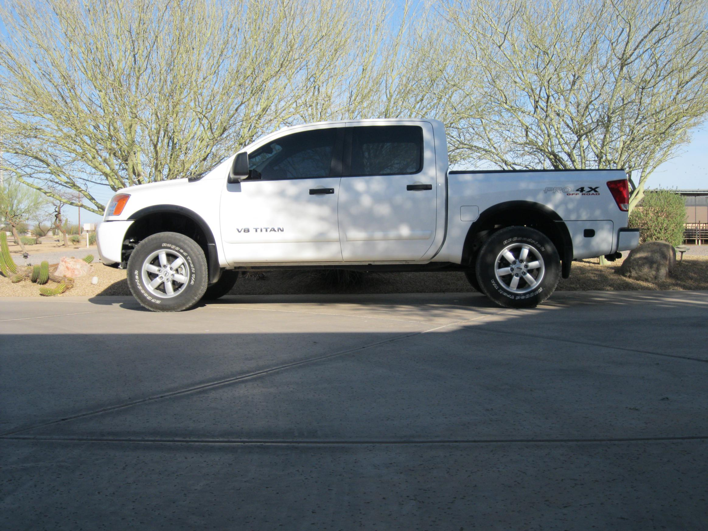will my titan pro 4x look good with a leveling kit nissan titan forum. Black Bedroom Furniture Sets. Home Design Ideas