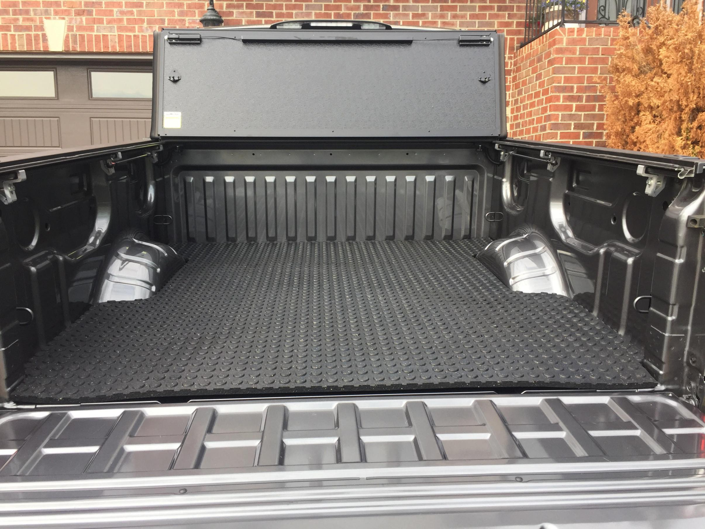 Rubber mats alberta - Titan Rubber Bed Mat 1 Jpg