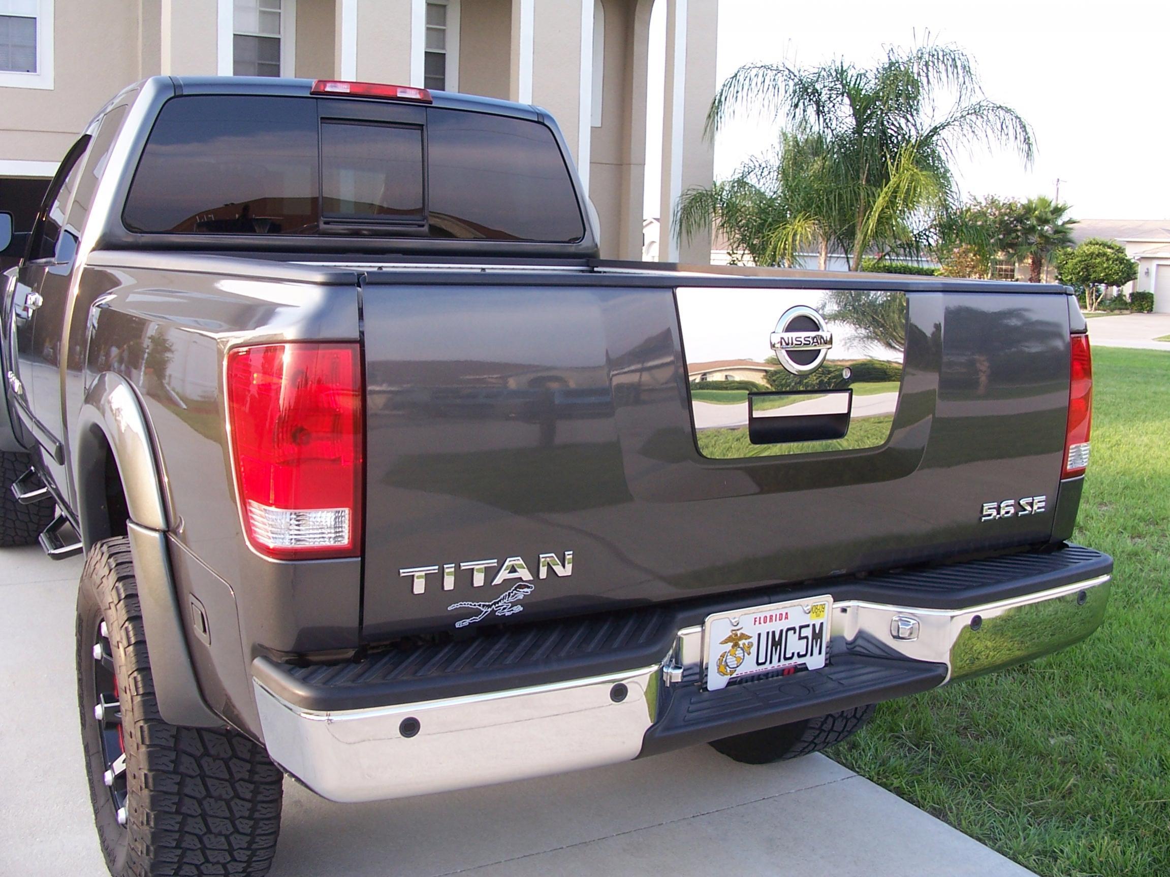 New chrome tailgate bib trim 100_1016 jpg