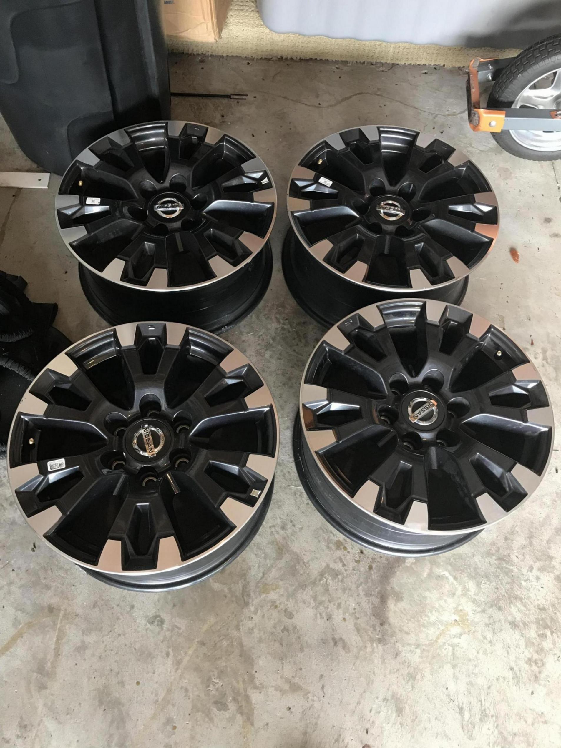 Titan stuff for sale-19401019-9bf6-49b7-919b-b755c26f9835_1560963361238.jpg