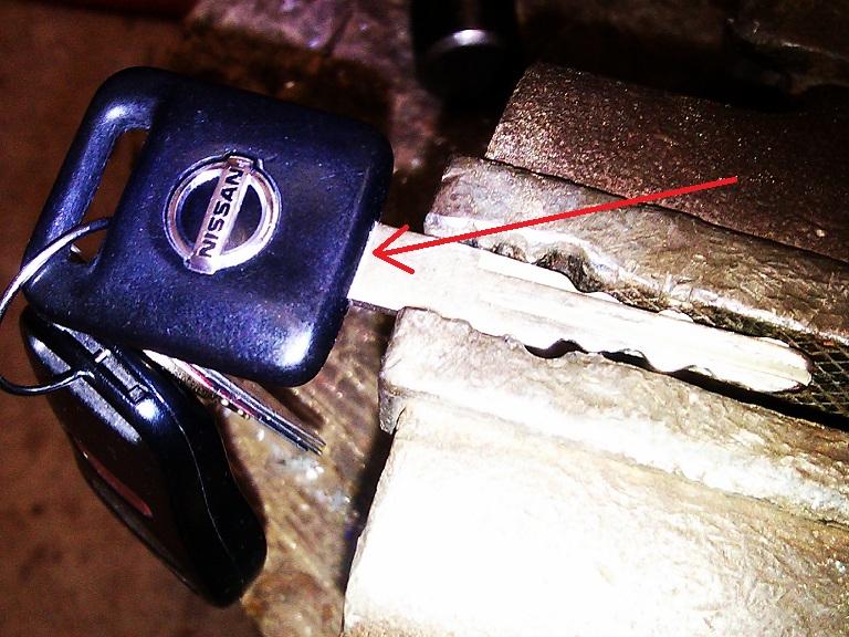 Switch blade key-2013-01-27-14.53.16.jpg