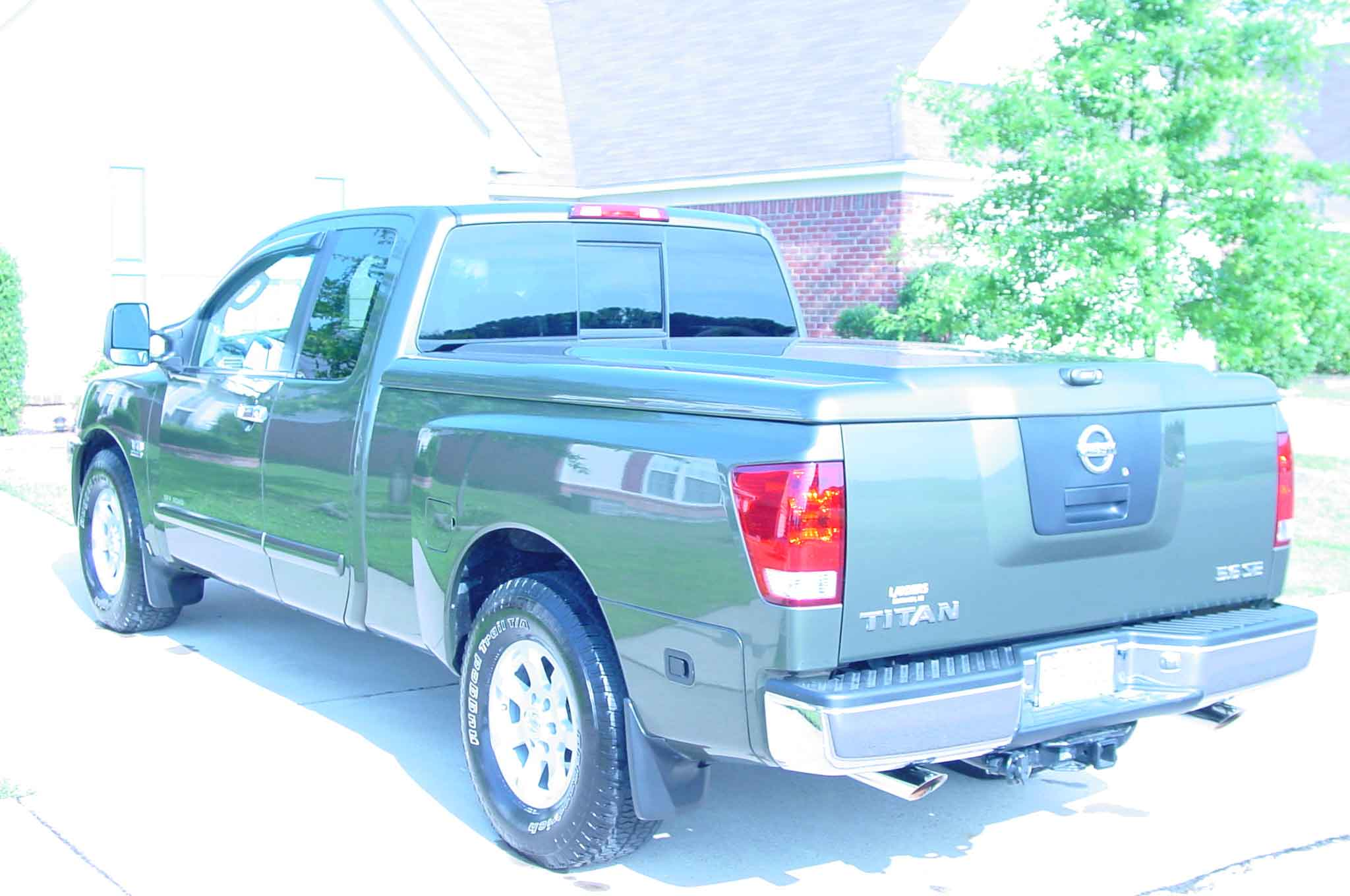 A.R.E. Tonneau lid color match-are4.jpg