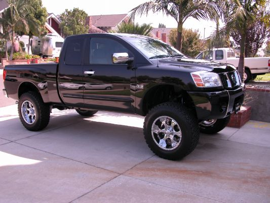 pictures of lifted trucks - Nissan Titan Forum
