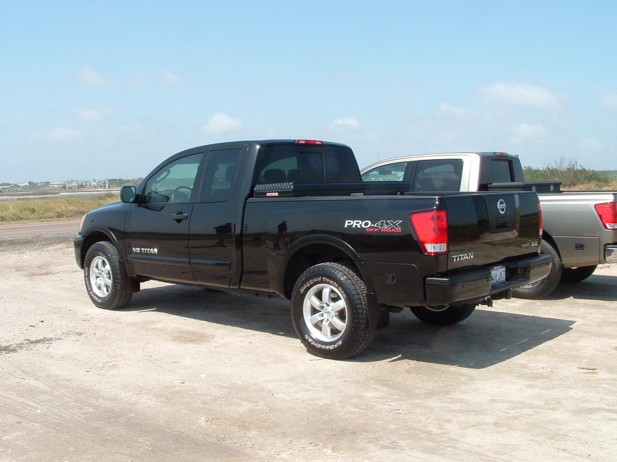 what toolbox to buy nissan titan forum. Black Bedroom Furniture Sets. Home Design Ideas