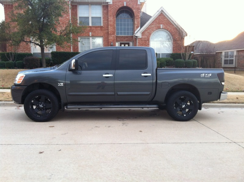 Pic Of Titan With 2 Or 3 Leveling Kit Nissan Titan Forum