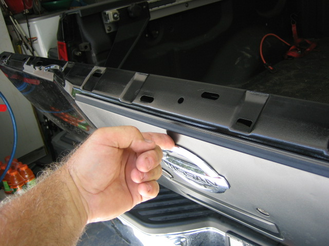 Titan Gas Assist Tail Gate Retro Fit 03/04-img_0629.jpg