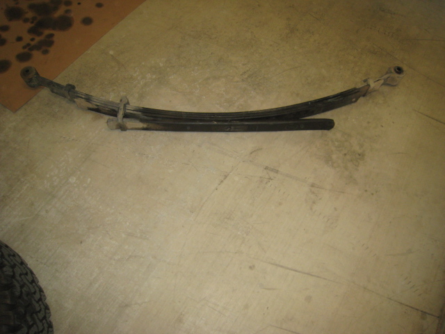 How to: Grease the leaf springs to prevent squeaking-img_0749.jpg