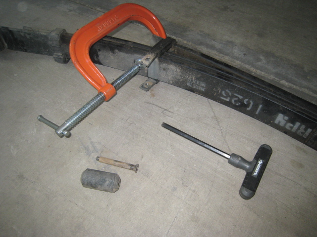 How to: Grease the leaf springs to prevent squeaking-img_0751.jpg