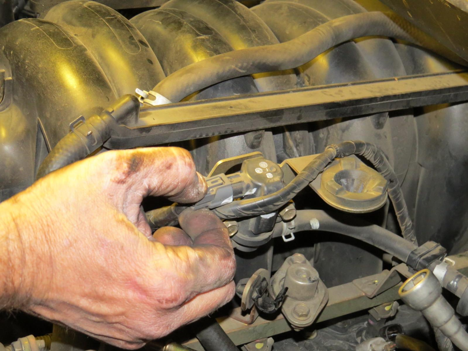 How to replace the starter Nissan Titan-img_1016.jpg