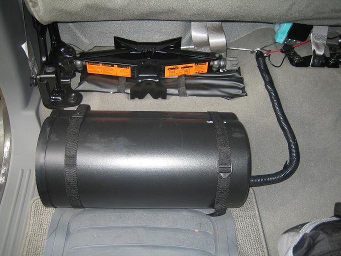 Fs  Bazooka El8a Powered Subwoofer Tube