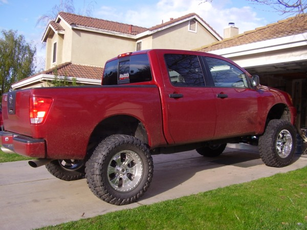 pictures of lifted trucks-liftedtitan.jpg