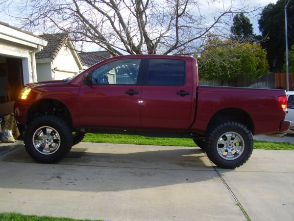 pictures of lifted trucks-liftedtitan3.jpg