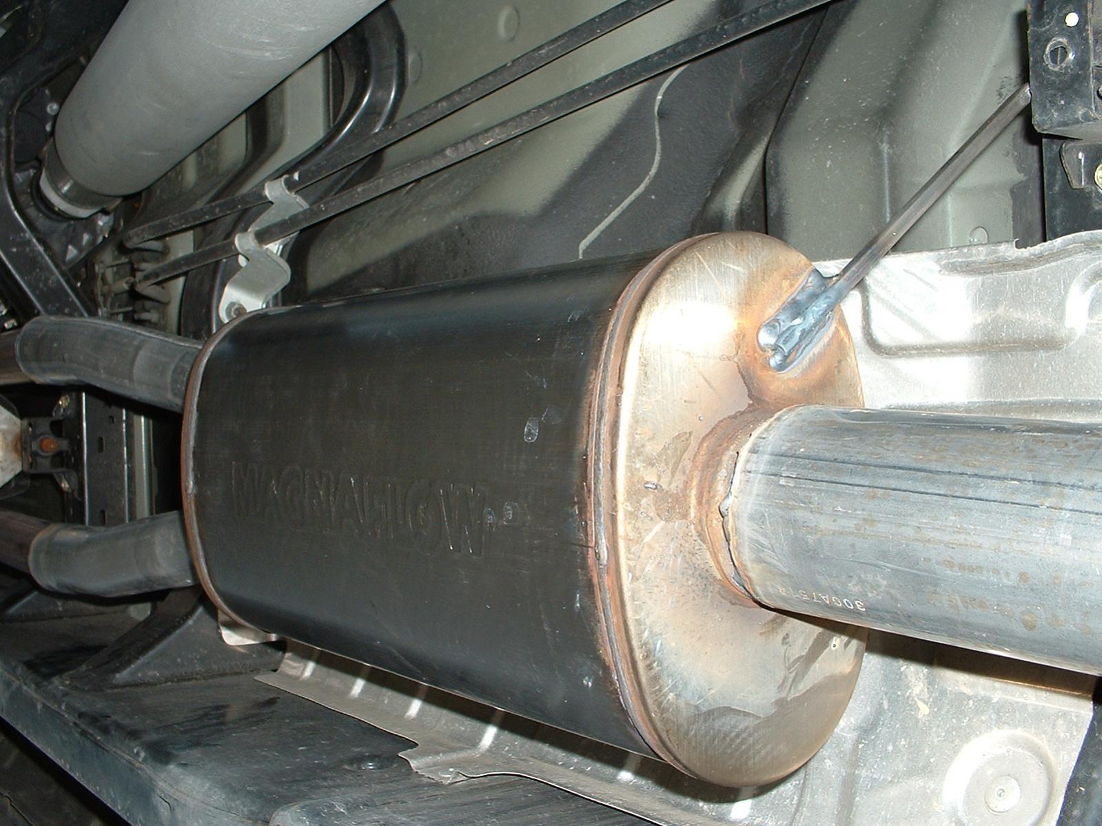 07 oem exhaust what muffler magnaflow install 005 jpg