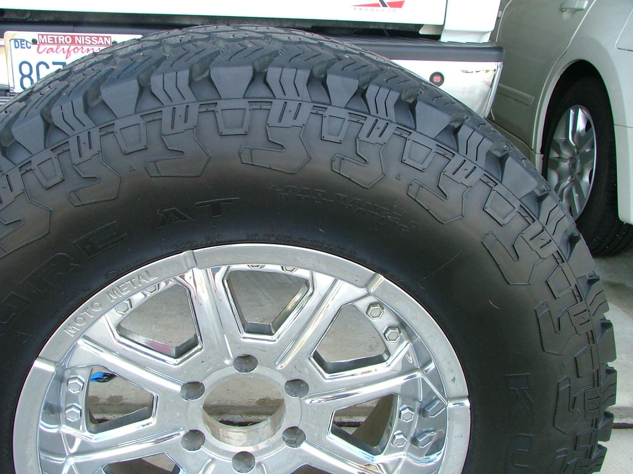 F S 325 65 18 35 13 18 Kuhmo Road Venture A T Tires