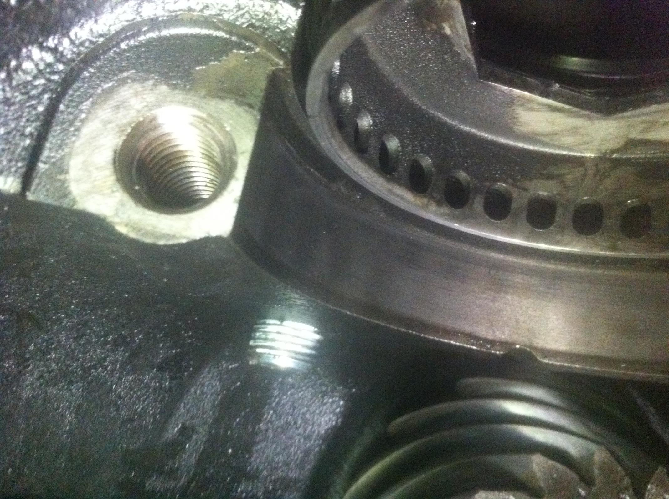 Replacing an E-locker Rear Differential with a Trutrac-pluger-plug-inside.jpg