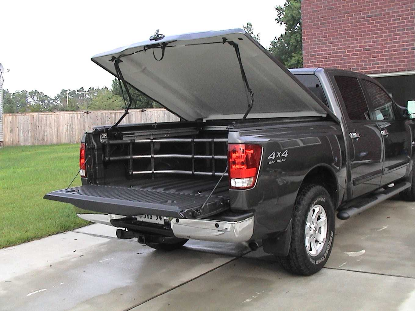 2288d1088955038 help electronic opening lsii tonneau cover titan cover2 help with electronic opening of lsii tonneau cover nissan titan  at n-0.co