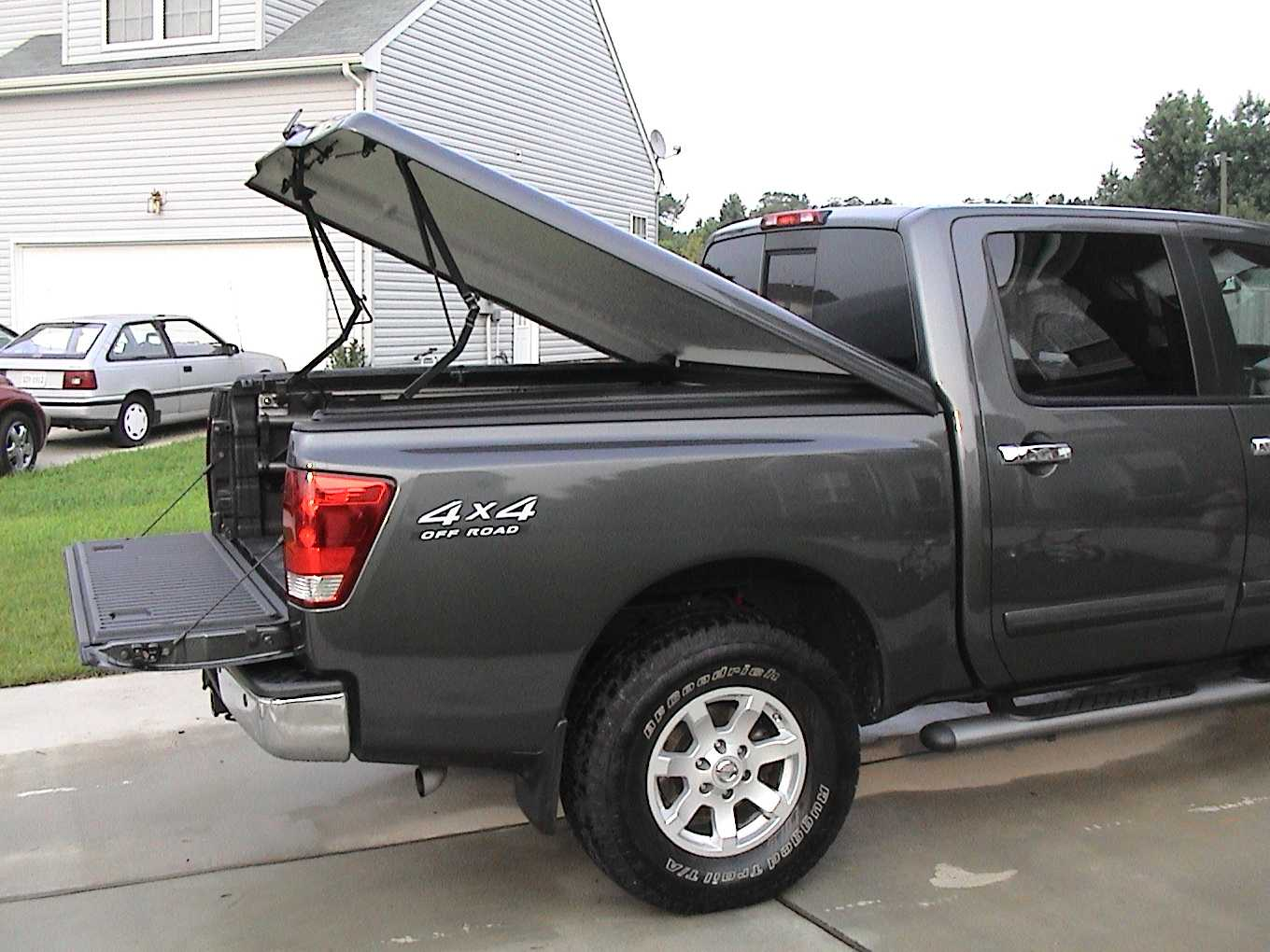 2291d1088955073 help electronic opening lsii tonneau cover titan cover5 help with electronic opening of lsii tonneau cover nissan titan  at n-0.co