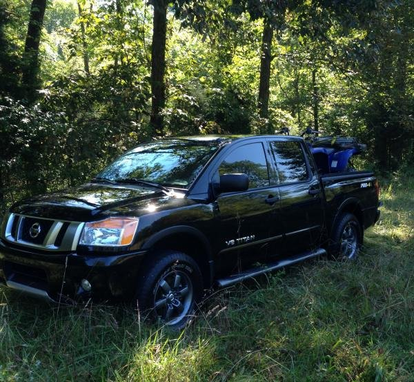 Showcase cover image for babright's 2014 Nissan Titan Pro4x