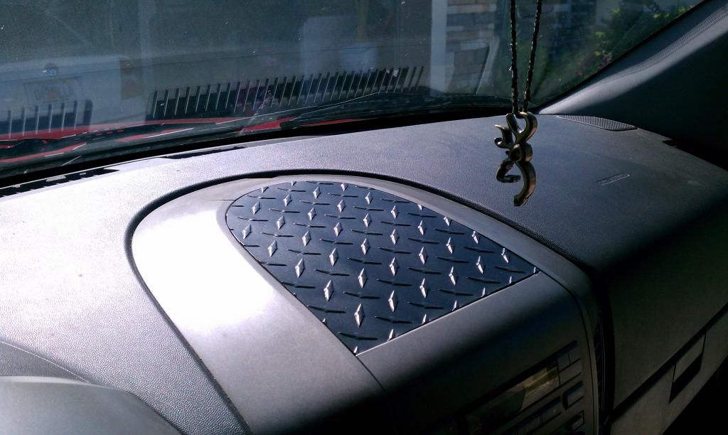 Im Loking For The Dash Speaker Cover Grill Nissan Titan